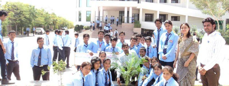 Student Initiatives – Green Club